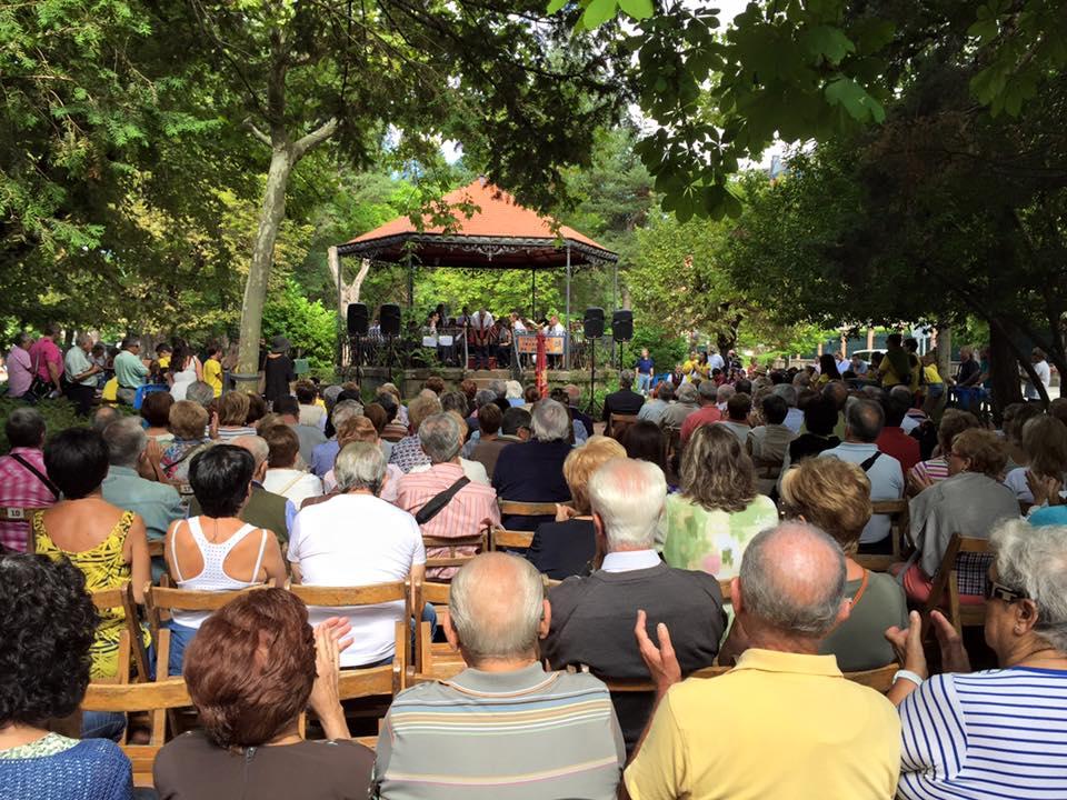 Concierto por la Asociación Banda M. de Música Santa Orosia.