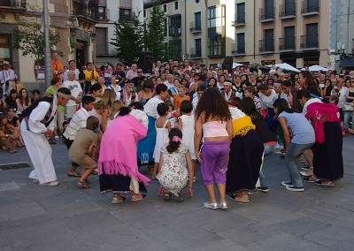 Año 2009 Baila con nosotros. Festival Folklórico de los Pirineos de Jaca