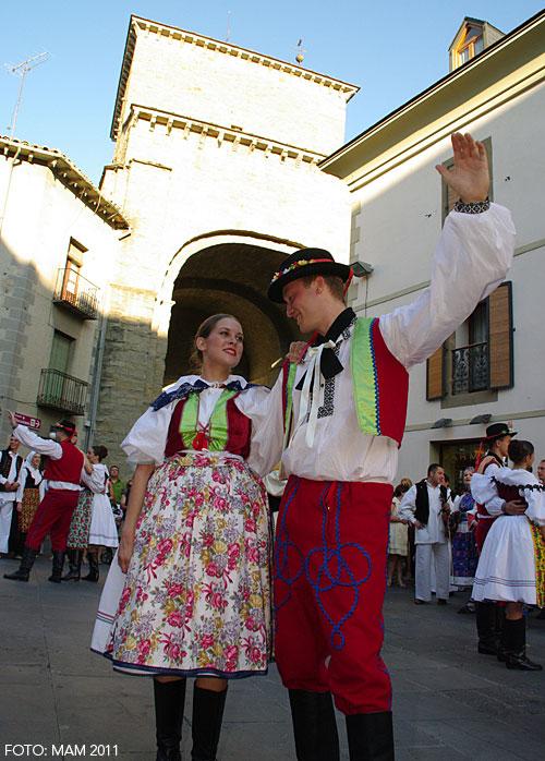 ¿Interesados en participar en el Festival Folklórico de los Pirineos?