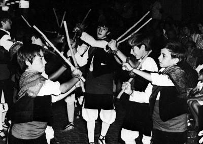 Año 1973 Danzantes de Jaca. Festival Folklórico de los Pirineos de Jaca © Archivo Municipal