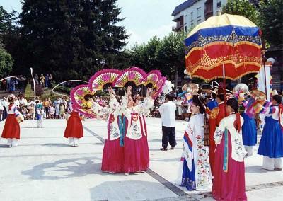 Año 2001 Calle. Festival Folklórico de los Pirineos de Jaca. Gabinete de Prensa