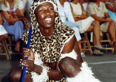 Año 2001 Suráfrica. Festival Folklórico de los Pirineos de Jaca. Gabinete de Prensa