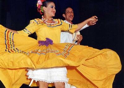 Año 2003 Honduras. Festival Folklórico de los Pirineos de Jaca
