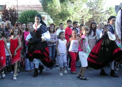 Año 2003 Aprende a bailar. Festival Folklórico de los Pirineos de Jaca