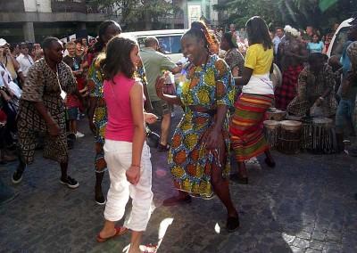 Año 2005 Kenia. Festival Folklórico de los Pirineos de Jaca.