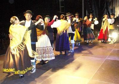 Año 2005 Grupo Uruel de Jota. Festival Folklórico de los Pirineos de Jaca.
