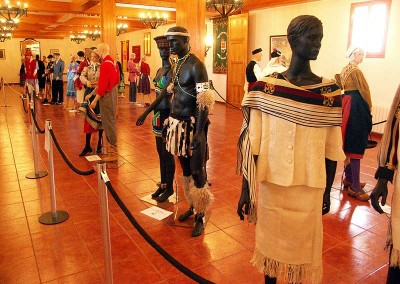 Año 2007 Exposición trajes. Festival Folklórico de los Pirineos de Jaca