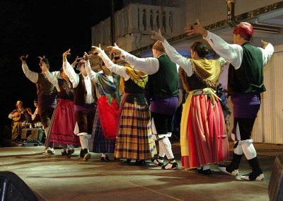 Año 2011 Gala Folklore Altoaragonés. Festival Folklórico de los Pirineos de Jaca. © MAM