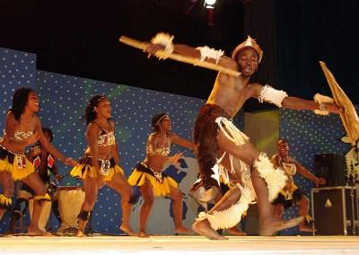 Año 2011 Zimbabwe. Festival Folklórico de los Pirineos de Jaca. © MAM