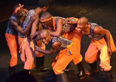 Conjunto folclórico « Soweto Thabisong Dance Company » Sudáfrica