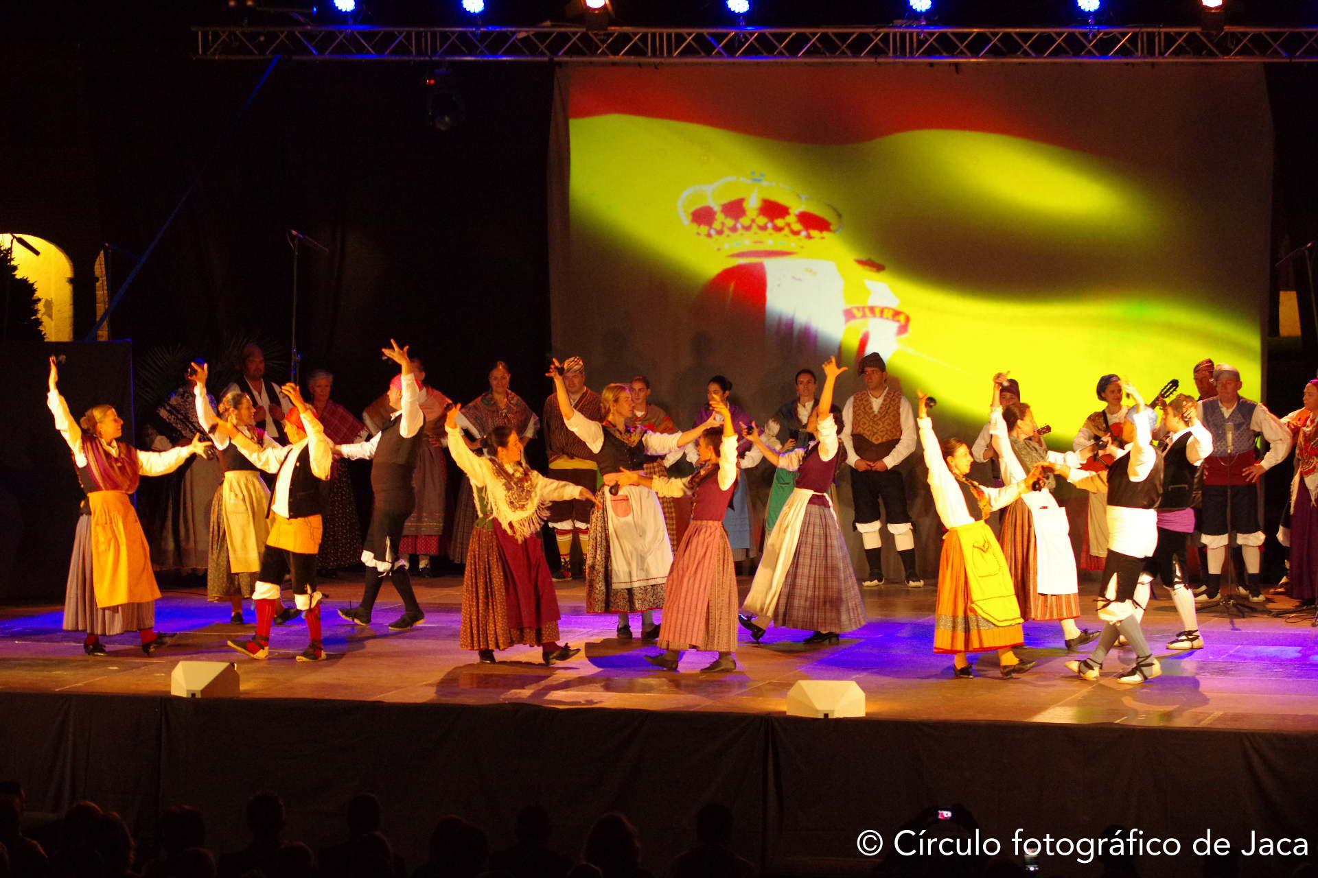 El folklore de los Pirineos recibe al Festival