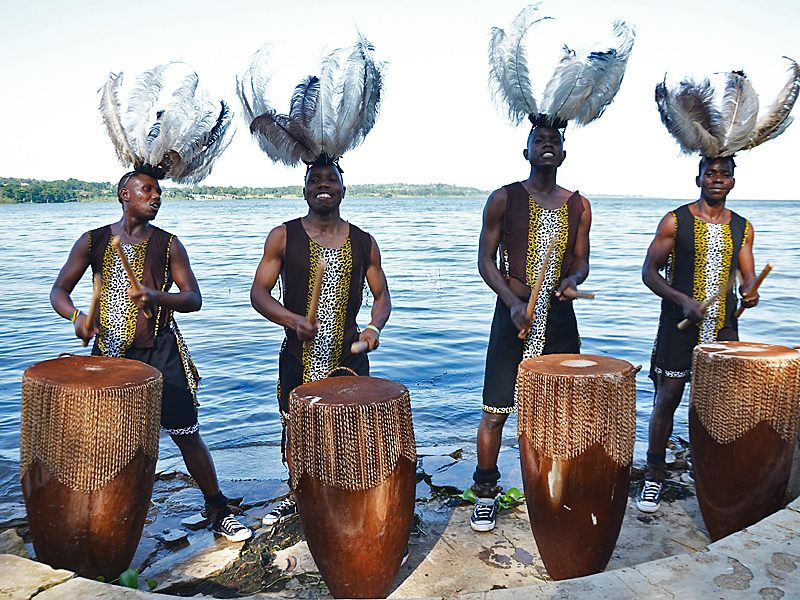 "Uganda: Conjunto Folklórico ""CRANE"""