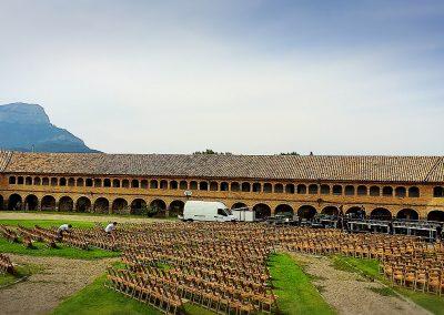 """La Ciudadela de Jaca se prepara para acoger el espectáculo """"De los Pirineos al mundo"""" esta noche, y  """"Abrazamos las culturas del mundo"""" de mañana"""