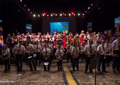 Banda Municipal de Música Santa Orosia de Jaca y grupos participantes