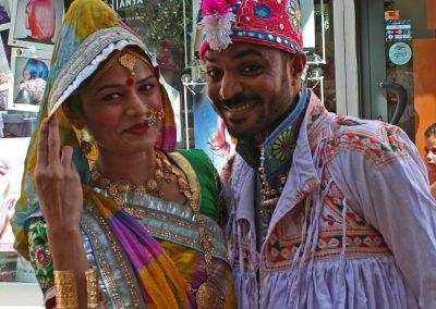 "Pasacalles y Tapa-Festi India: Conjunto folklórico ""RAAGA"""