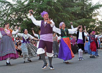 esfile final del Festival Folklórico de los Pirineos 2017