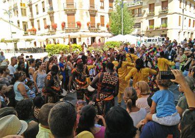 "Pasacalles y Tapa-Festi Senegal: Ballet Folklórico ""JAMMU"""