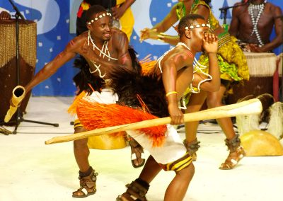 "Conjunto Folklórico ""CRANE"" de Uganda"
