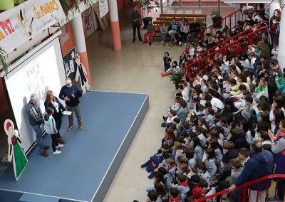 El pasado viernes 5 de abril, el Colegio Escuelas Pías de Jaca hizo entrega de los premios de su concurso literario, dirigido a primaria y secundaria, y dedicado en la presente edición al Festival Folklórico de los Pirineos.