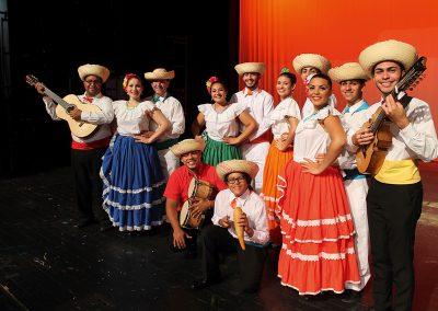 "Puerto Rico: Grupo Folklórico ""GUARIONEX"""