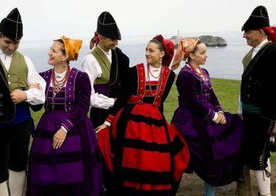 España: Asociación Cultural Coros y Danzas de Santander