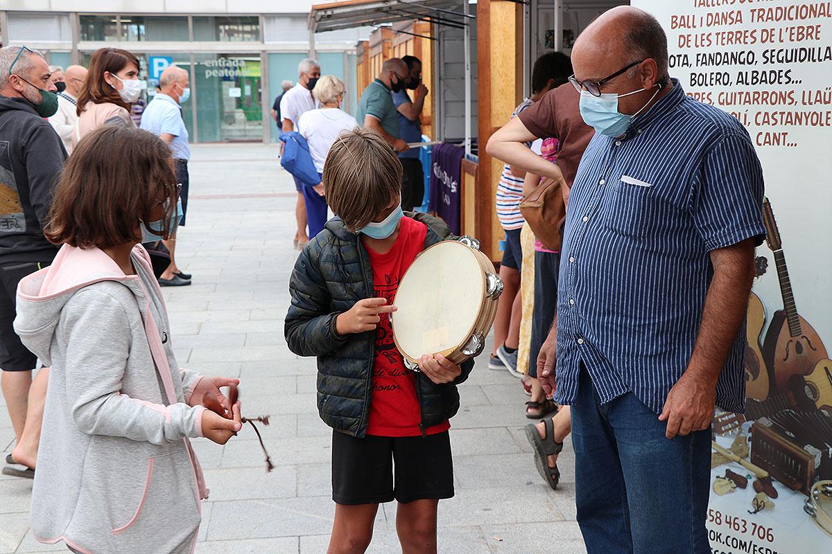 Feria de luthiers Festival Folklórico de los Pirineos