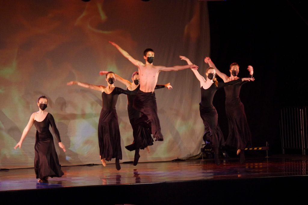 Joven Ballet del Pirineo. Foto: G. Jiménez. Festival Folklórico de los Pirineos
